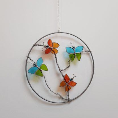 Attrape-rêve avec des papillons en vitrail