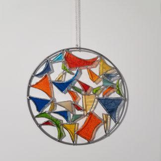 Attrape-rêve avec des motifs abstraits en vitrail