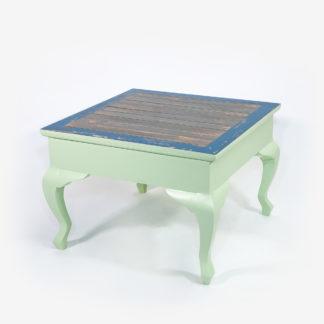Table basse design colorée carrée en bois massif